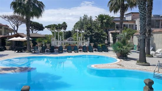 Hotel orchidea giugliano in campania italie voir les for Piscina 94 respuestas