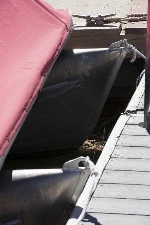 Holloway's Marina & RV Park : Poontoon boats waiting
