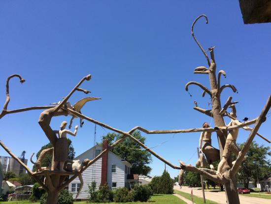 Lucas, KS: concrete sculptures all around