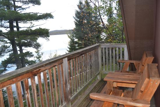 Gunflint Pines Resort & Campgrounds: Perfect little deck for morning coffee