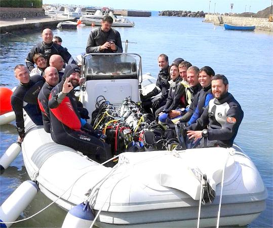 Bolle d'Azoto Diving Center: gommone in partenza