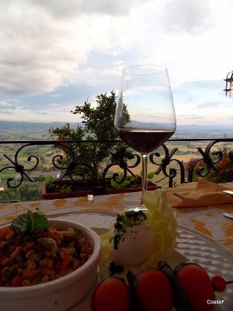 Un ottimo antipasto - Picture of Le Terrazze di Properzio, Assisi ...