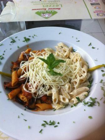 Beşler A La Turca Macaroni Restaurant