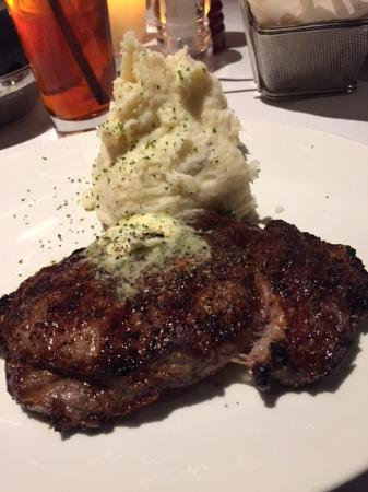 Stoney River Steakhouse and Grill : Boneless Ribeye at Stoney River