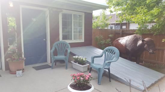 Big Horn Motel: terrasse devant les chambres 19 et 20