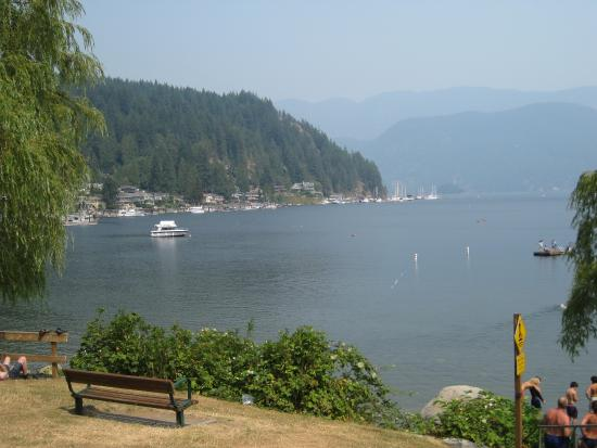 North Vancouver, Kanada: View of the cove from the park.