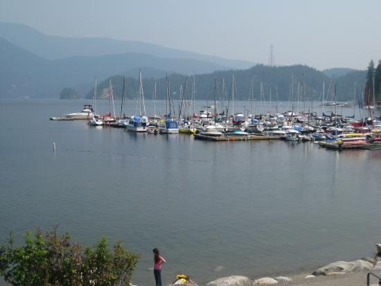 North Vancouver, Kanada: View of the marina from the cove.