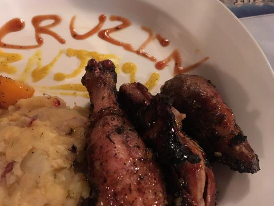 Cruzin Bar & Grill : Jerk Chicken dinner