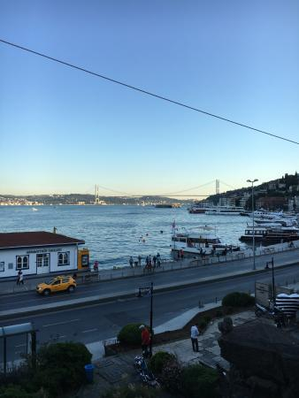 Arnavutkoy District, Turquía: Manzarası şahane arnavutköyü kucaklıyor.. Servis samimi ortam samimi Kaliteye göre fiyatları yük