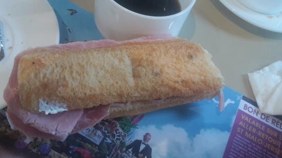 Hotel les Alleux : pain frais d'après la gérante