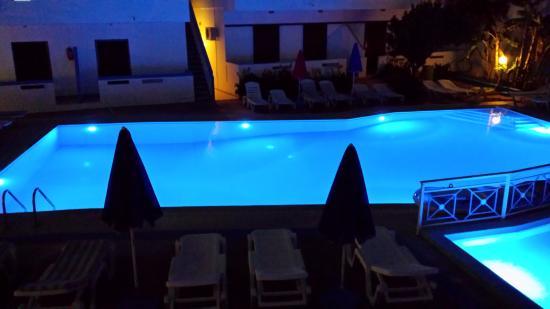 Yannis Apartments: Prachtig zwembad!