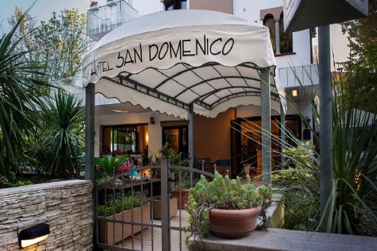 Bagno Mediterraneo Pinarella : Qualche giorno a pinarella recensioni su hotel san domenico