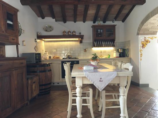 Montespertoli, Włochy: Kitchen/dining room