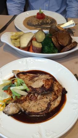 Chez Denis: The best food in Norwich. Jerk chicken, prawns, steak au poivre.