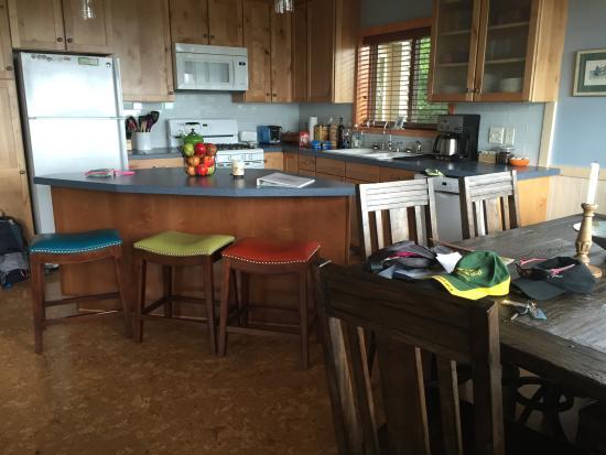 Alaska Paddle Inn Picture