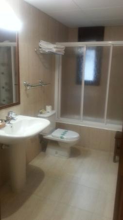 Hotel Villa Russell: Cuarto de baño con hidromasaje