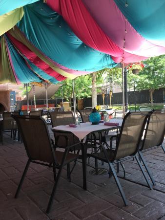 Mr. Tandoori Urban Bar and Grill: The patio