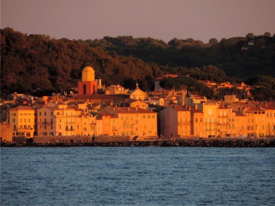 Villa Angelina : Balkonansicht auf den Sonnenuntergang in Saint Tropez