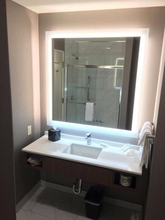 Overhead Lights In Bathroom Or There Are Separate Lights Around - Lights around bathroom mirror