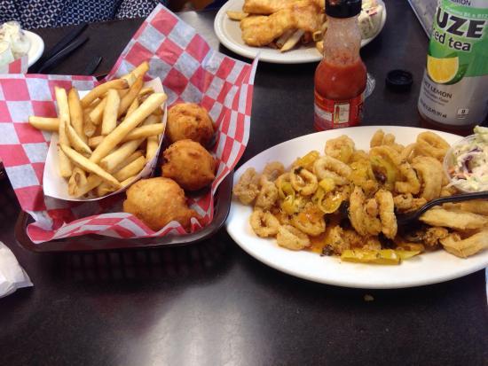 Warren, RI: Clam cakes fries and calamari; all fresh, hot and yummy. I would go here again!!