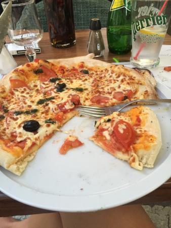Menu saint valentin entr e plat dessert pour 42 foto di for Mike pizza salon de provence