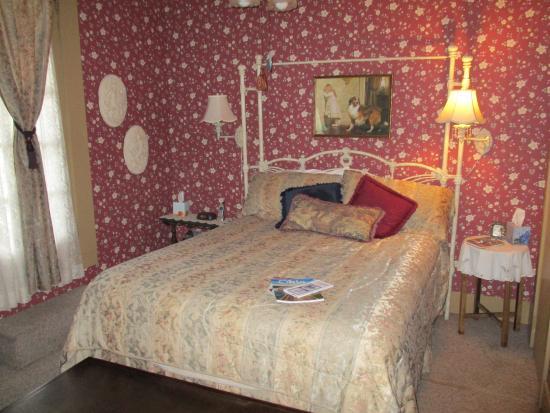 Rocking Horse Inn: Anne room