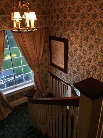 Alexander Hamilton House: Stairway to rooms