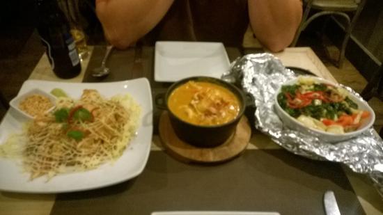 Prawn Pad Thai Massaman Curry And Healthy Duck Main Dishes