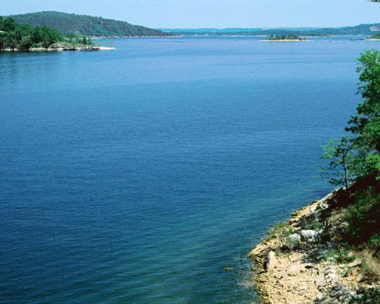 Look at that blue water picture of table rock lake for Table rock lake