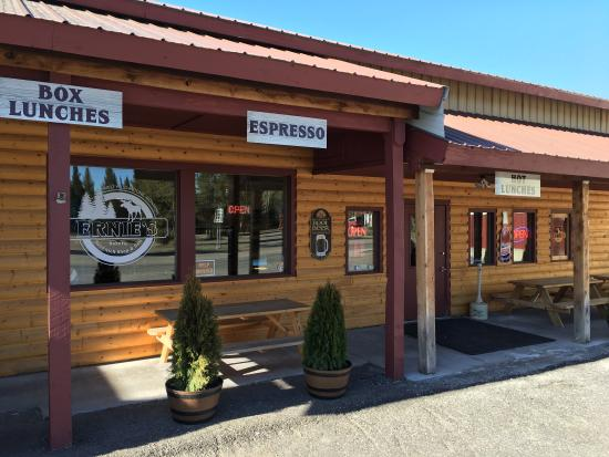 Ernie's Bakery and Deli : /Users/mathiasjambor/Pictures/iPhoto Library.photolibrary/Masters/2016/05/12/20160512-100150/IMG