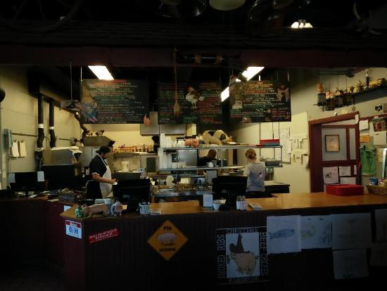 Chester's Barbecue: Inside of Chesters BBQ