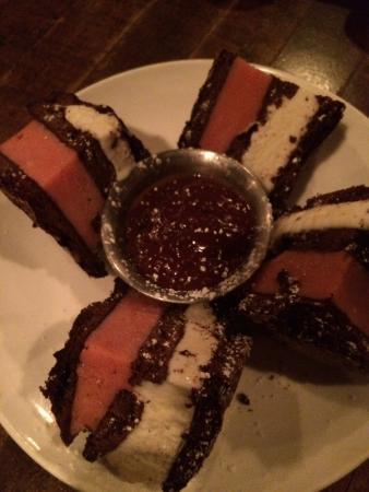 Flatiron Steakhouse: Ice cream club sandwich