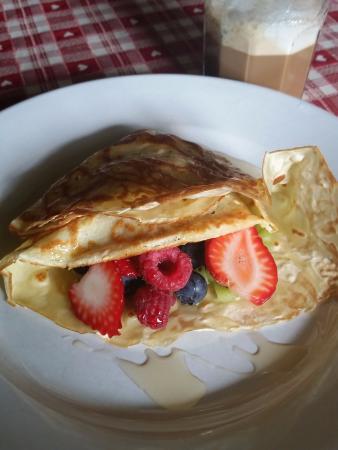 Breakfast at Maison La Chapeliere