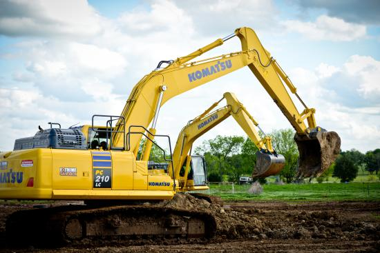 Hastings, MN: Excavators in actions