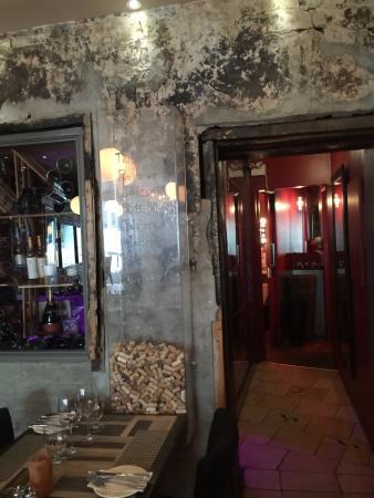 SSS Restaurant: Entrance