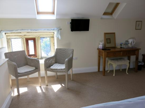 South Wingfield, UK: sitting area in bedroom