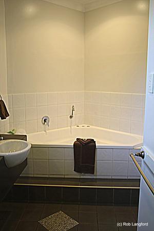 Ascot Lodge Motor Inn Kingaroy: Spar bath