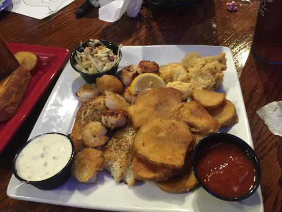 O'Quigley's Seafood Steamer & Oyster Sports Bar: photo1.jpg