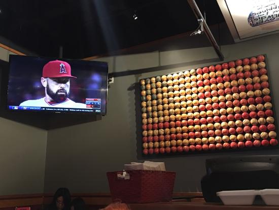 Red Robin Gourmet Burgers: TV's all around. Great for eating and viewing