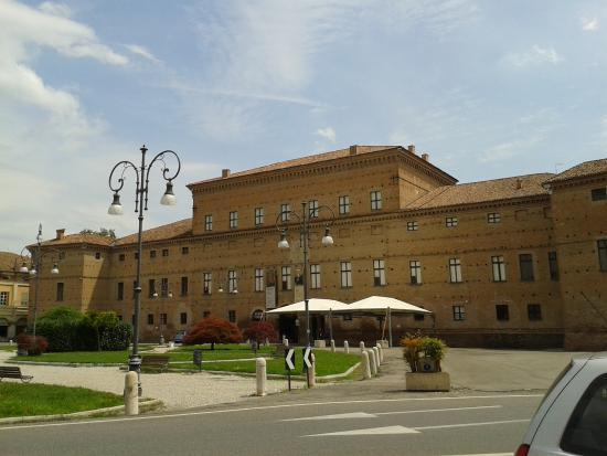 hotel vicino palazzo isolani bologna song - photo#11