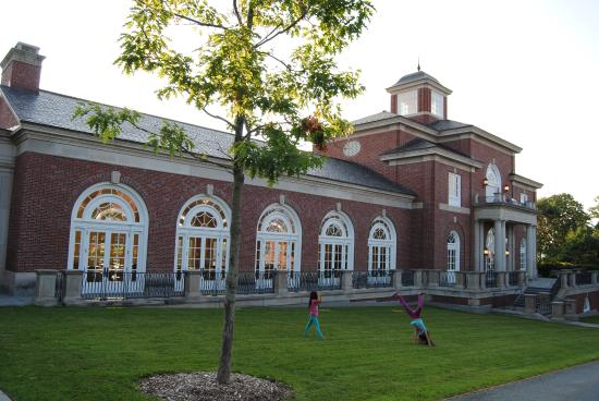 The K.C. Irving Environmental Science Centre and Harriet Irving Botanical Gardens: Acadia University