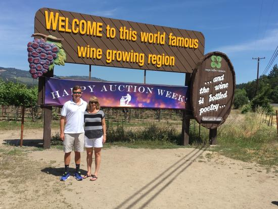 Danville, Kalifornia: Mom and son enjoy Napa valley