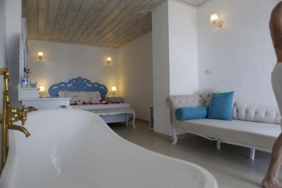 Mavi Beyaz Hotel: odamız