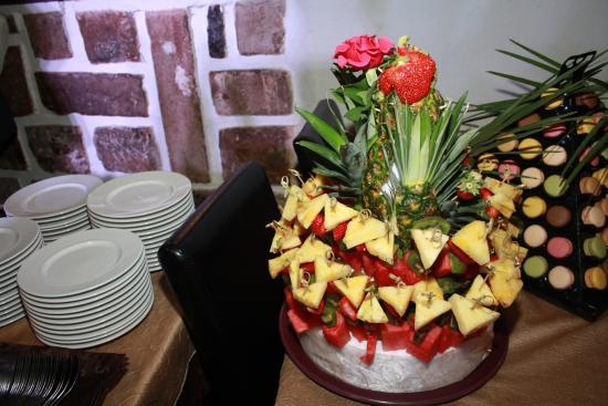 Belgentier, Frankrig: brochette de fruits frais