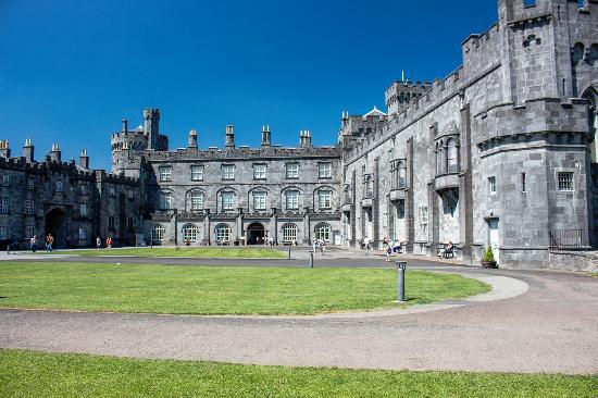 Kilkenny, Irlanda: wunderschönes Stadtschloss