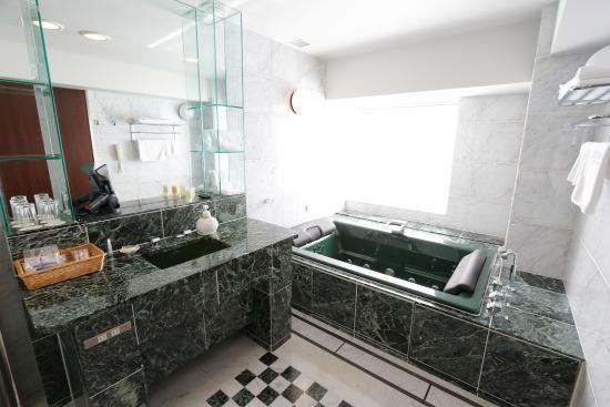 Keisei Hotel Miramare : Bathroom of Suite Room