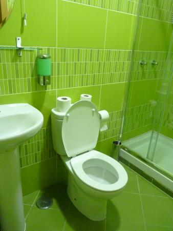 Baixa Guesthouse : la salle d'eau