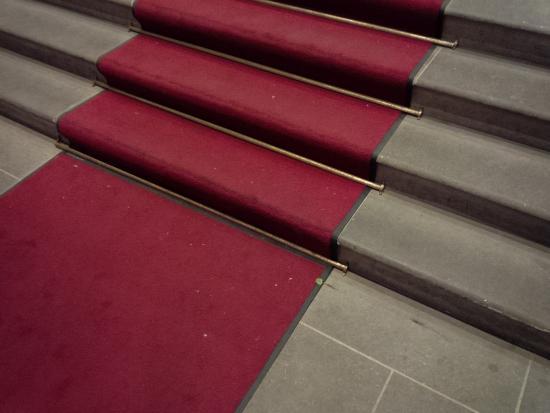 Eingetretene Kaugummies im Teppich direkt vor dem