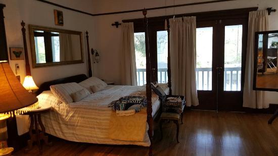 Herlong Mansion Bed and Breakfast Inn: 20160603_163650_large.jpg