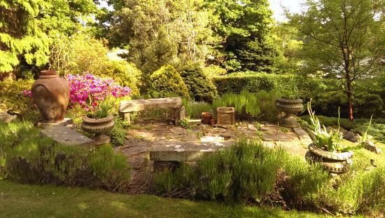Dr Neilu0027s Garden: Stone Benches